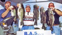 Dean Rojas With 45 Pounds and 2 Ounces of Lake Toho Bass  (2001-01-17 photo by BASS)